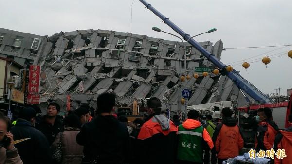 永康維冠大廠樓倒塌,災民希望政府協助重建家園。(記者劉婉君攝)