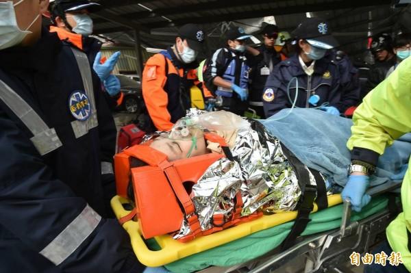 今日清晨發生規模6.4地震並造成嚴重災情,國民黨中央黨部捐款100萬元。(記者張忠義攝)
