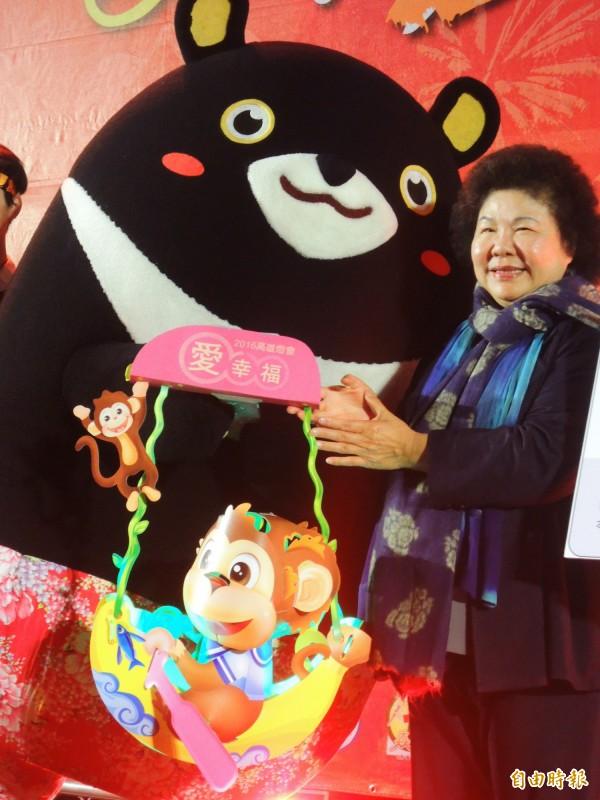 高雄市長陳菊本來安排到紐西蘭休假,聽聞南台灣地震造成災情,決定放棄休假、下機後立刻搭機回台,目前人在空中。(資料照,記者葛祐豪攝)