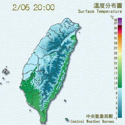鄭明典說,局網的氣溫分析圖中,代表寒冷氣溫的藍色系範圍快速擴張,台南以北幾乎全變成藍色系範圍,表示氣溫已低於攝氏11度。(圖片取自鄭明典臉書)