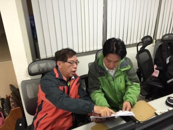 台南市長賴清德已抵達台南應變中心指揮救災。(圖擷自賴清德臉書)
