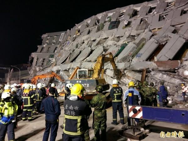 中央災害應變中心截至今晨8點的統計,台南震災永康區維冠大樓罹難者增加到8人罹難,505 人受傷,128人失聯。(資料照,記者王涵平攝)