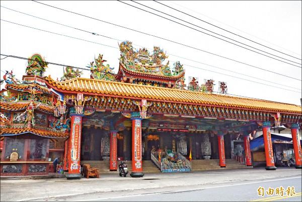 宜蘭壯圍鄉紫雲寺從原本的小廟宇,逐漸擴展成至今規模。 (記者朱則瑋攝)