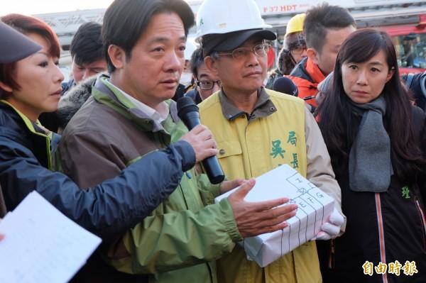 台南市長賴清德表示將重啟四區大鋼牙救援計畫,分別從六個工作面進行。(記者盧姮倩攝)