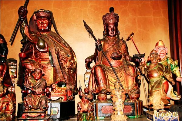 西鎮堂除了供奉齊天大聖,還有唐三藏、豬八戒、沙悟淨。 (記者佟振國攝)