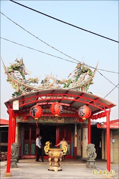 慈雲寺廟宇並不大,但供奉罕見的 麻糬佛祖。 (記者林宜樟攝)