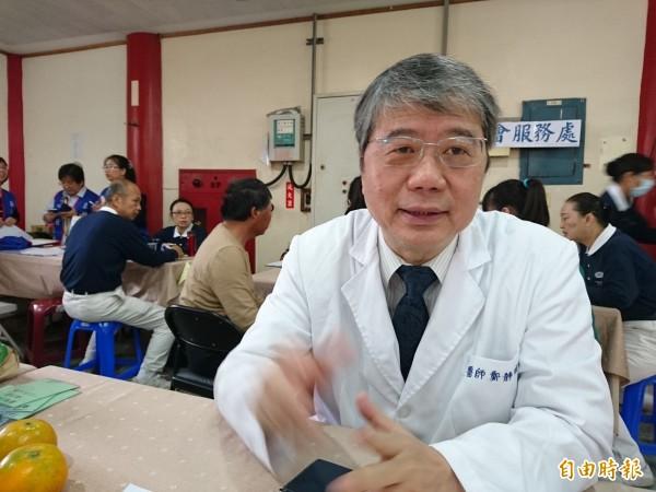 嘉南療養院長鄭靜明建議第一線救災人員壓力若無法調適,可尋求專業心理輔導。(記者洪瑞琴攝)