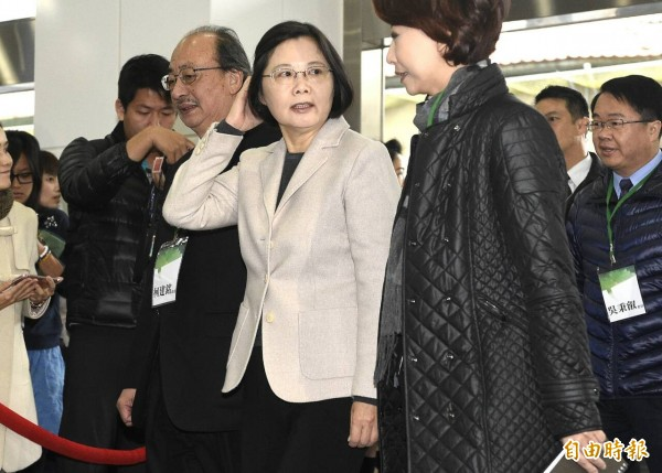 民進黨總統當選人蔡英文出席民進黨立委研習會議。(記者陳志曲攝)