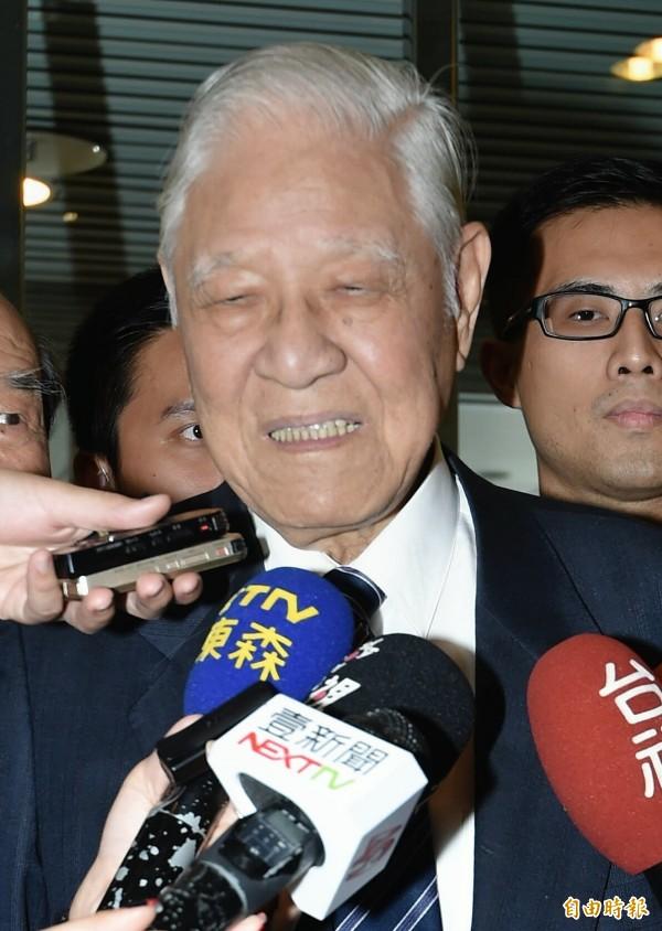 李登輝認為台灣已實質獨立。(記者方賓照攝)