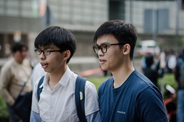 香港學民思潮成員黎汶洛表示,有意效法時代力兩,與黃之鋒與其他組織人士共同組黨,參選香港立法會選舉。(圖片擷取自黎汶洛臉書)
