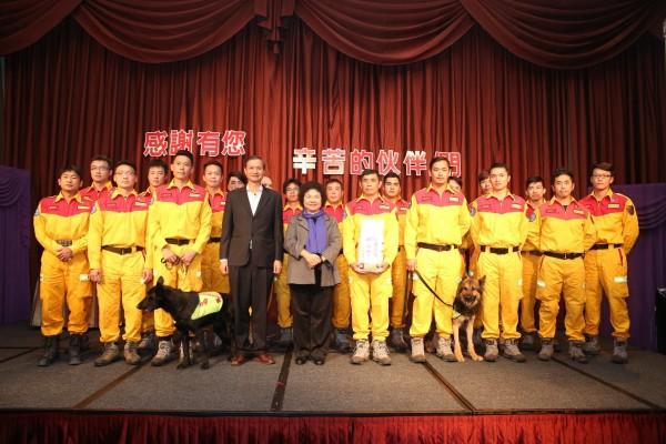 陳菊表示,昨天為此次前往協助救援的消防、衛生及社工同仁舉辦慰問感恩會。(圖擷取自陳菊臉書)