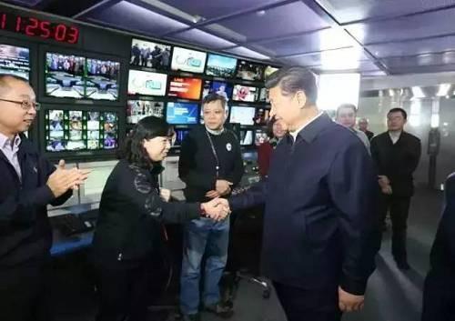 習近平參觀《央視》。(圖擷自網路)