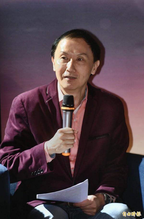 台北市議員李新表示在國民黨黨主席選舉過程中困難重重,包括在連署時發現有黨員已經過世,卻依舊還在黨員名冊上。(記者方賓照攝)