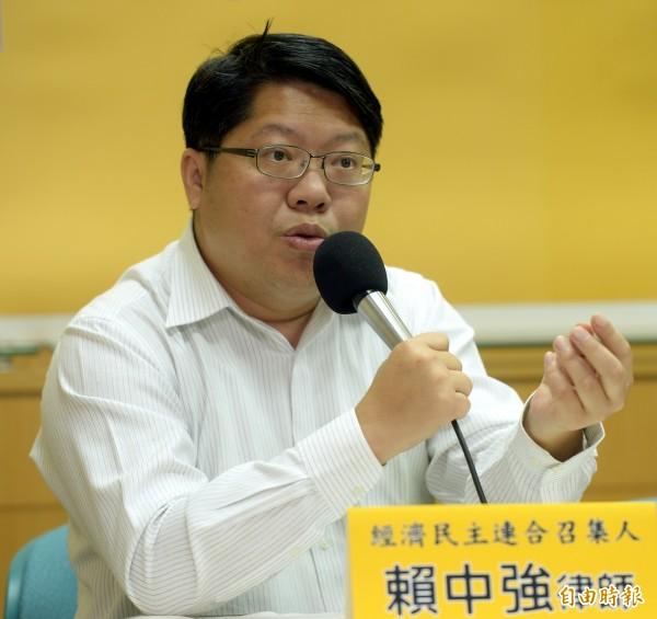 賴中強批評,馬政府企圖在卸任前增加中國人來台,但台灣社會應可受多少移民,應該公共討論,並由國會決定。(資料照,記者林正堃攝)