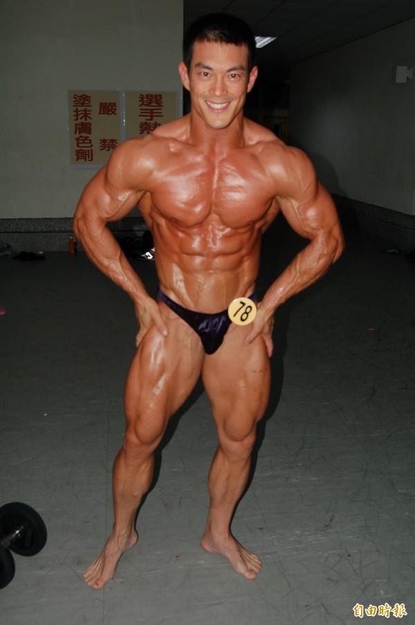 圖為2011年時,當時仍是警察大學學生的葉飛纓奪下男子健美總冠軍寶座,他的肌肉線條練得十分結實。(資料照)