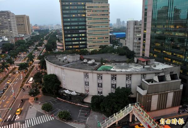 台北市舊議會大樓,自去年11月起已陸續遭拆除。(資料照,記者簡榮豐攝)