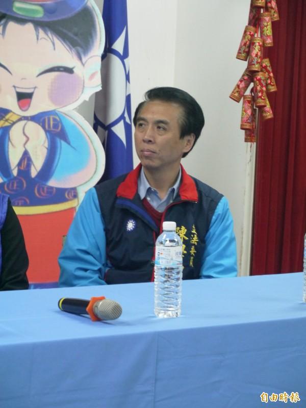 國民黨主席候選人陳學聖宜蘭拉票,承諾當選後3個月讓黨產透明化。(記者簡惠茹攝)