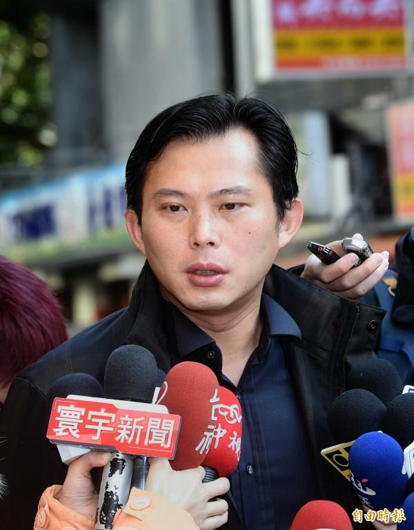 時代力量立委黃國昌表示,每年的228其實都像是鬧鐘,逼問著為什麼轉型正義還沒實現。(記者方賓照攝)