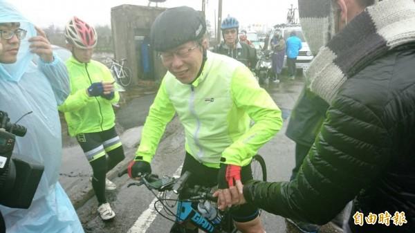 台北市長柯文哲昨天展開自行車「1日雙塔」挑戰,從昨日由新北市富貴角出發,並於今天上午10點03分抵達屏東鵝鑾鼻,耗時約28.5小時完成雙塔挑戰。(資料照,記者彭健禮攝)