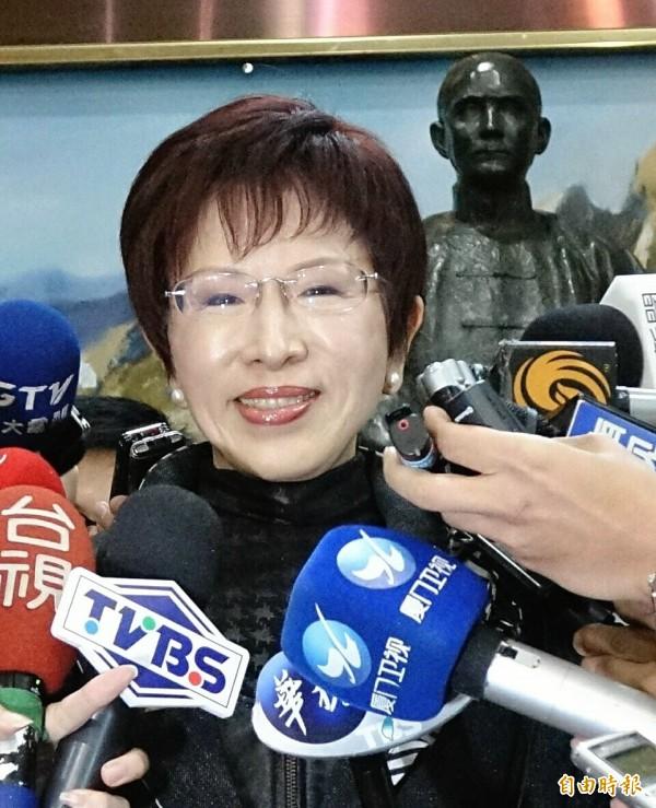 台北市議員李新提出黨產平分歸還黨員的主張,國民黨主席候選人洪秀柱表示,事情恐怕不是那麼簡單一句話就能處理。(資料照,記者方賓照攝)