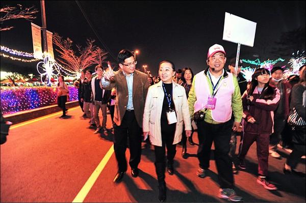 有意爭取明年台灣燈會主辦權的嘉義縣長張花冠,日前率團參觀取經。(資料照)