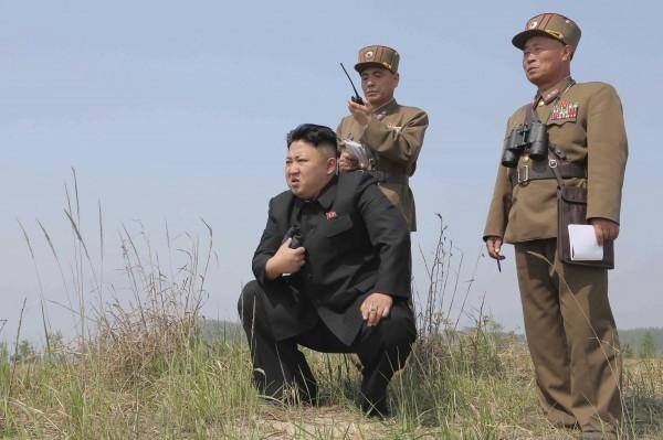 外傳北韓最高領導人金正恩下令軍方,隨時準備動用核子武器。(路透)