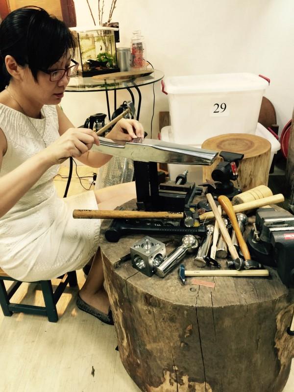 台北科技大學去年成立校內創業基地「點子工廠」,讓新創團隊進駐,更能利用設備進行小規模的產品製造。(北科大提供)