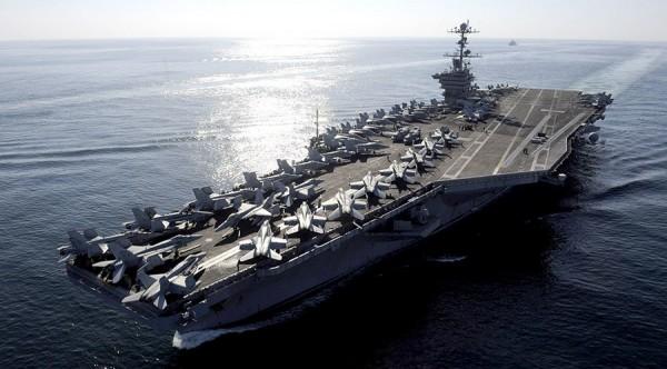 日前在南海巡航的核子動力航空母艦史坦尼斯號戰鬥群,預計將於13日駛入南韓釜山港參與聯合軍演。(路透)