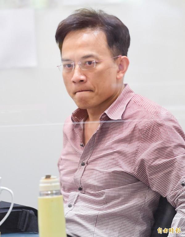 彭文正在記者會中不斷追問少將趙代川,更直言「軍中什麼都能造假!」(資料照,記者王文麟攝)