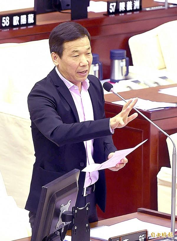 台北市議員鍾小平爆料,幾年前曾有人詢問他是否願意接受國防部「贊助」,蒐集議會情資。(資料照,記者方賓照攝)