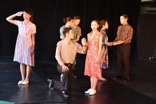 樹德科大表藝系2016年春季展演《百衲食譜》大戲,向台灣近代花木蘭致敬。(記者蘇福男攝)