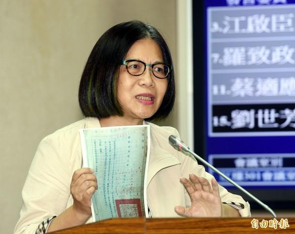 管碧玲過去霸氣質詢國防部長讓網友大推「鏗鏘有力」。(資料照,記者方賓照攝)