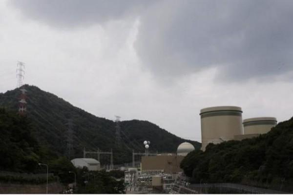 日本大津地方法院9日下達假處分裁定,命令關西電力公司位於福井縣的高濱核電廠3號機、4號機停止運轉。(路透)