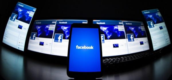 男子為報復前女友,在臉書上設立帳號張貼前女友照片並留言,被判拘役40天。(路透)