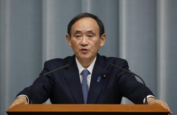 官房長官菅義偉在10日的記者會上表示,現階段沒有修改原子能規制委員會安全標準的必要。(美聯社)
