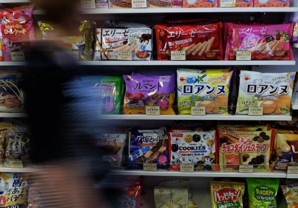 台灣目前仍禁止日本核災區的食品進口,而日本當地也還有15.7%民眾對福島食品有疑慮。(法新社)