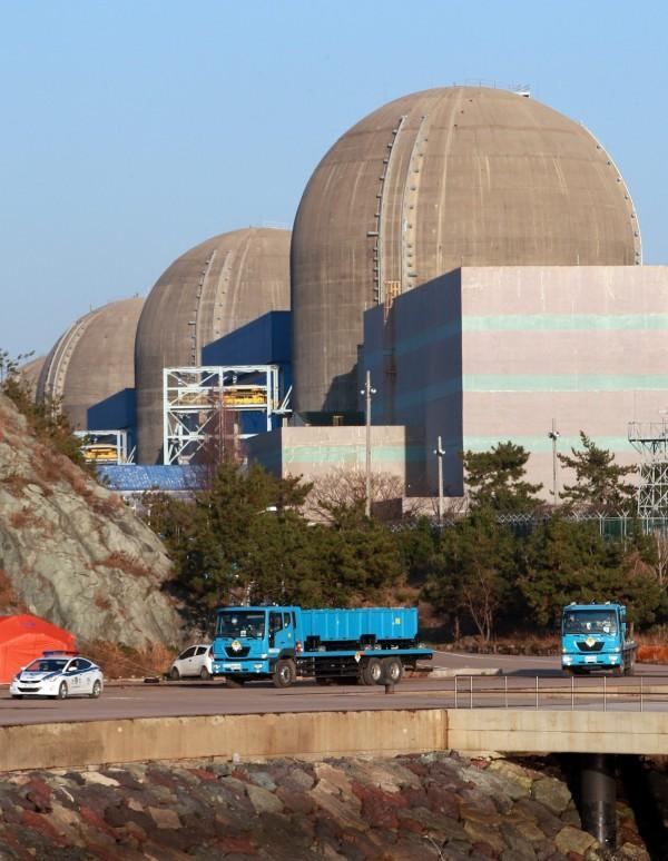 首爾市長表示,省下一座核電廠的核心是節能及發展可再生能源。圖為南韓位於靈光郡的核電廠資料照。(歐新社)
