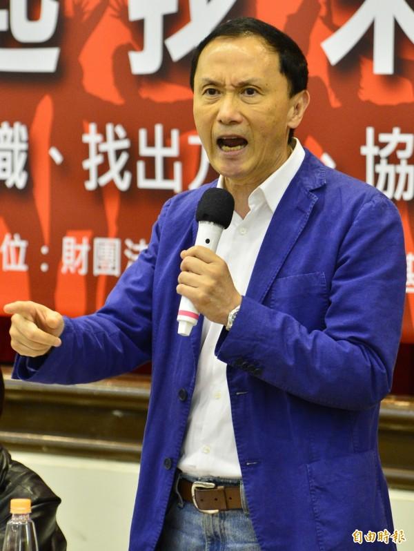 李新稍早在臉書批評黃敏惠動員群眾大陣仗以及洪秀柱遲到,對此十分憤怒。(資料照,記者王藝菘攝)