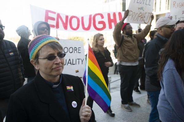 美國喬治亞州眾議院16日通過「宗教自由」法案,允許「信仰基督教的機構」拒絕服務同性戀夫妻。(美聯社)