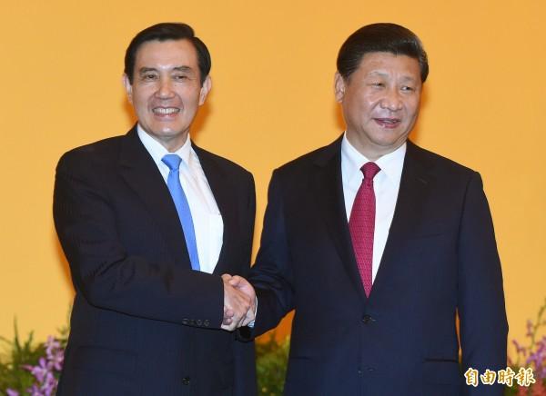 中國一封「促習近平辭職公開信」引起的風波不斷擴大,熟悉內情的人士透露,習近平的親信擔憂,一場政變已在醞釀中。圖為馬習會。(資料照,記者廖振輝攝)
