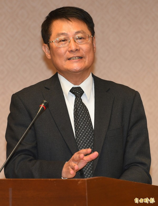 內政部次長陳純敬在立院答詢表示,曾去函兩次婦聯會,要求提報財產,但婦聯會都毫無反應。(記者張嘉明攝)