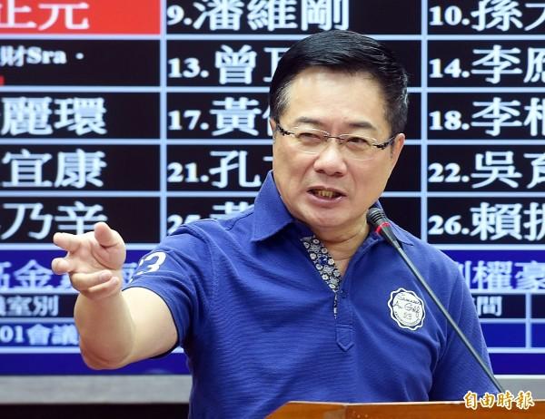 蔡正元今天上午在臉書PO文排出本月無知立委前12名排行榜。(資料照,記者方賓照攝)