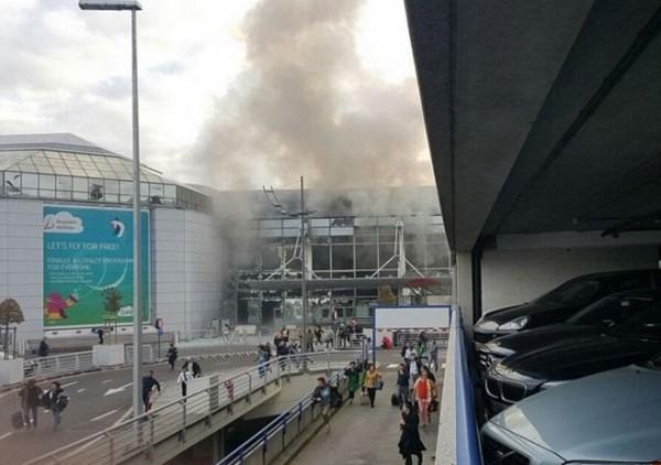 比利時布魯塞爾機場驚傳爆炸,疑似為恐怖攻擊。(圖擷取自Twitter)