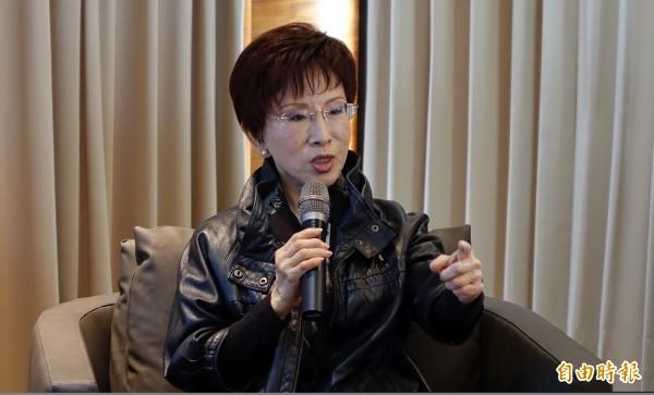 馬英九在洪秀柱總統初選過後,積極找她上課,洪秀柱自嘲「他可能覺得我很無知」。(記者劉信德攝)