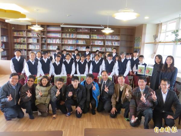 芳苑國中聯合鄰近8所學校,舉辦音樂會。(記者陳冠備攝)