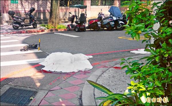 4歲劉小妹昨日在台北市內湖區環山路,遭男子33歲王景玉持菜刀砍殺斷頭,身首異處。(記者金仁晧攝)