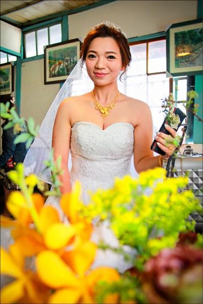 女店長巫宛萍 選在她的事業基 地,完成終身大 事。(記者陳冠 備攝)