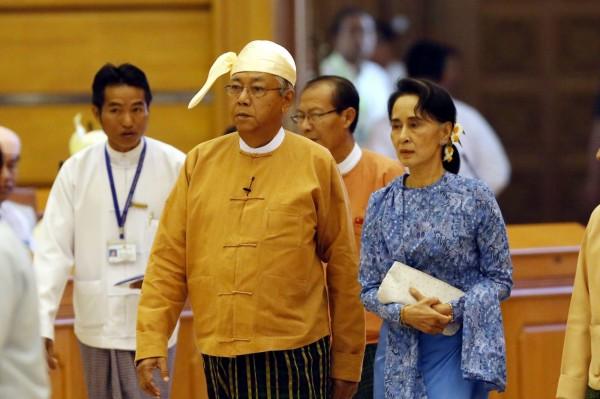 緬甸新總統廷覺今天宣誓就職,外界預料,翁山蘇姬將成為「超級部長」,領導外交部、教育部、能源部及總統辦公室。(歐新社)