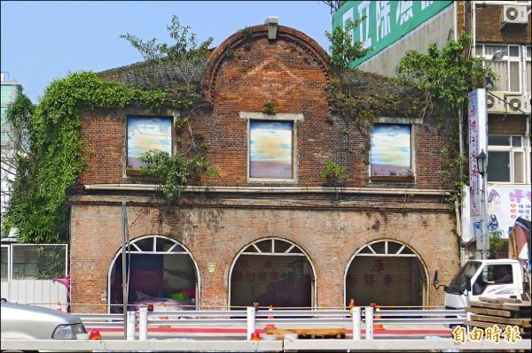 台北市為了做西區門戶,計畫遷移歷史建築三井倉庫。 (記者游蓓茹攝)