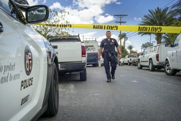 美國警方在伊薩的房子內又發現挨米爾母親的屍體。(美聯社)